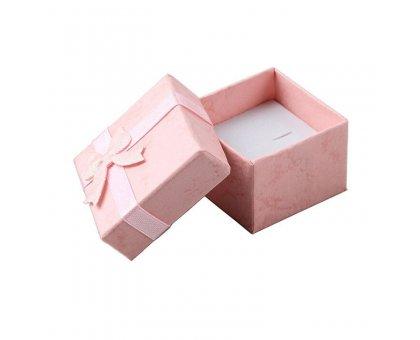 Dovanų kartoninė dėžutė ružava; 4x4x2.5cm