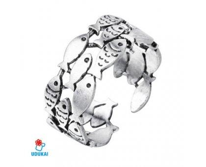 Žiedas Žuvys sidabro spalvos; universalaus dydžio
