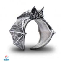 Žiedas Šikšnosparnis sidabro spalvos; universalaus dydžio